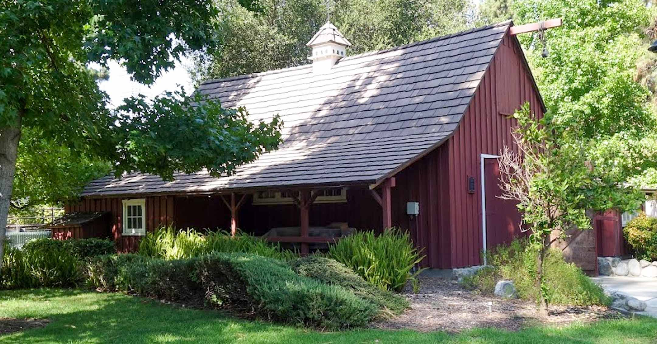 Walt's Barn Open to the Public | Carolwood.org